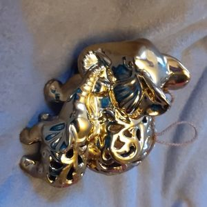 Other - Gold Mama and baby elephant fragrance ceramic